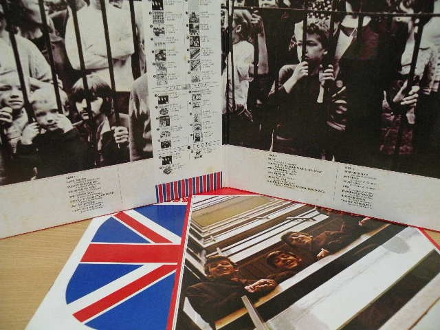 BEATLES-62-66(1976_JP)_gatefold.jpg